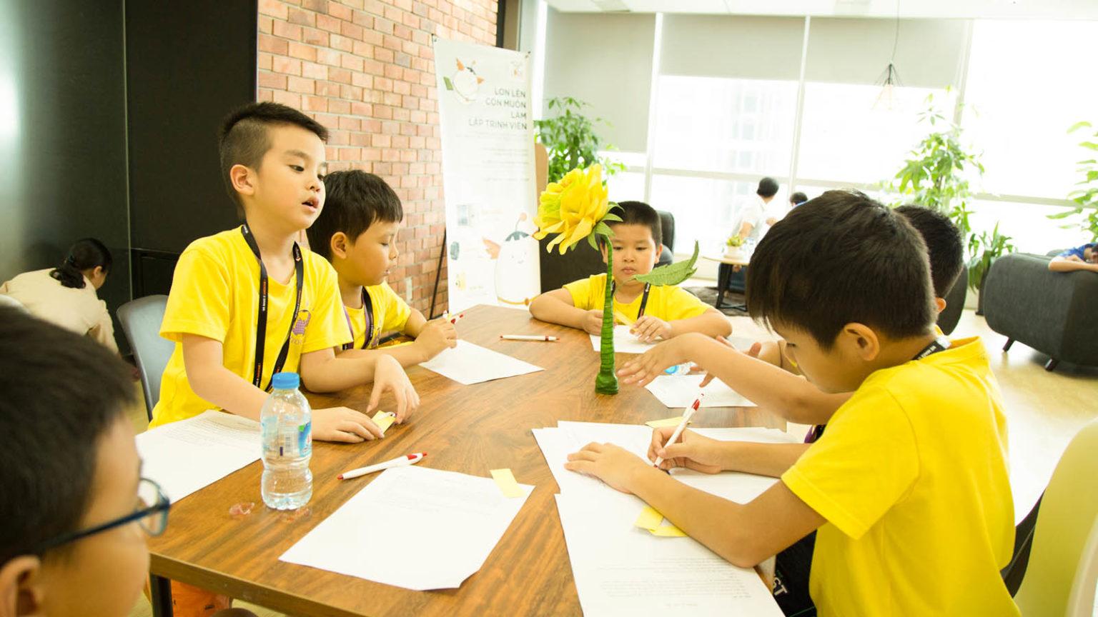 Lớp học lập trình cho trẻ em Hà Nội tại Lập Trình Việt