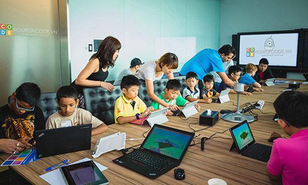 Hãy tham khảo đánh giá về các trung tâm trên mạng internet trước khi đăng ký học