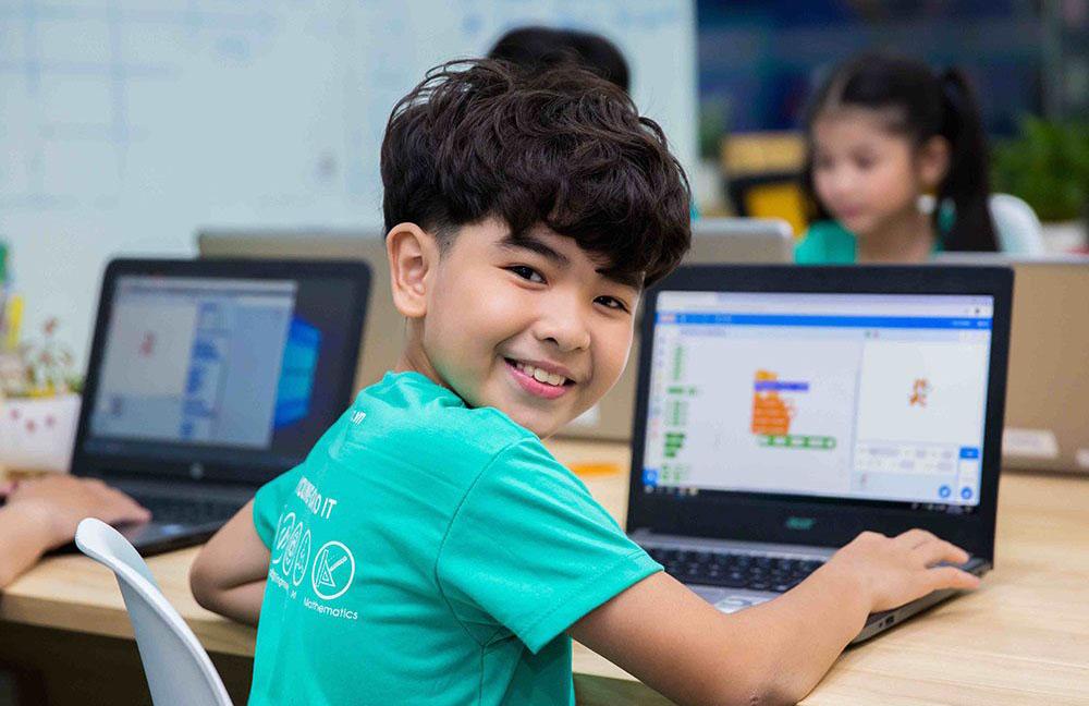 Độ tuổi học lập trình phù hợp là từ 7 tuổi