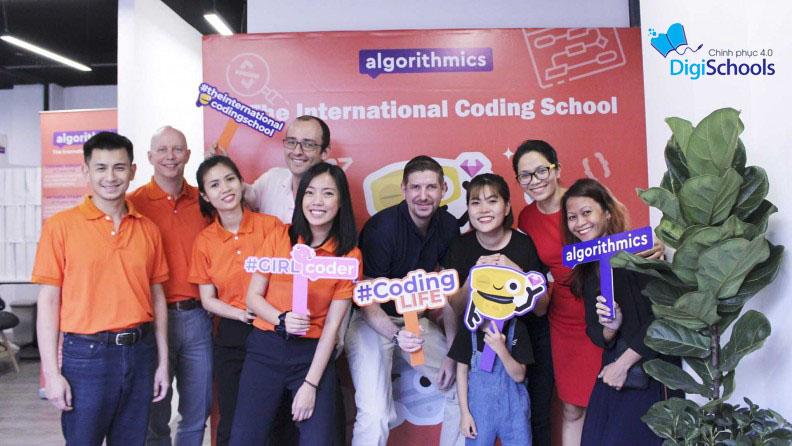 Khóa học lập trình cho trẻ em tại Algorithmics - The International Coding School